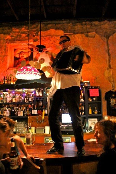 Zog bar dancing